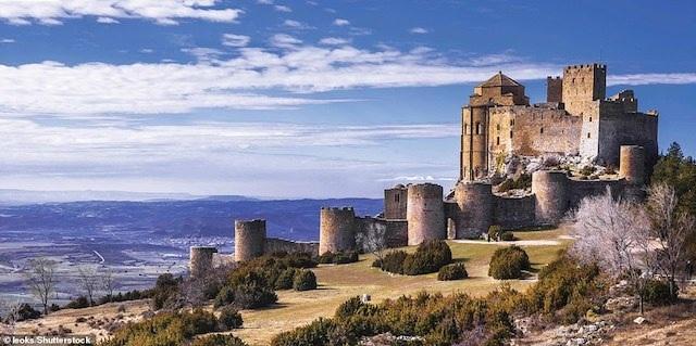 Khám phá những lâu đài đẹp nhất thế giới - 10