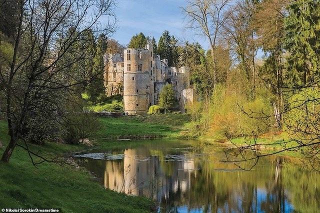 Khám phá những lâu đài đẹp nhất thế giới - 15