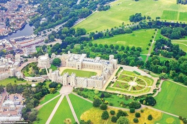 Khám phá những lâu đài đẹp nhất thế giới - 16
