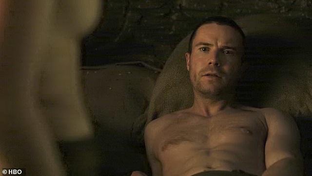 """Cảnh """"nóng"""" của Arya Stark khiến """"khổ chủ"""" cũng... sốc - 6"""