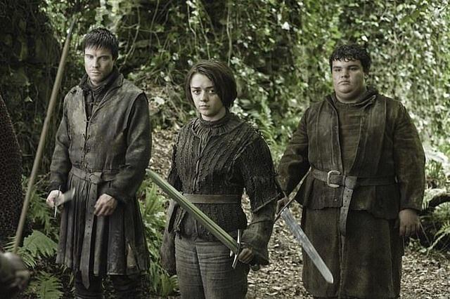 """Cảnh """"nóng"""" của Arya Stark khiến """"khổ chủ"""" cũng... sốc - 2"""