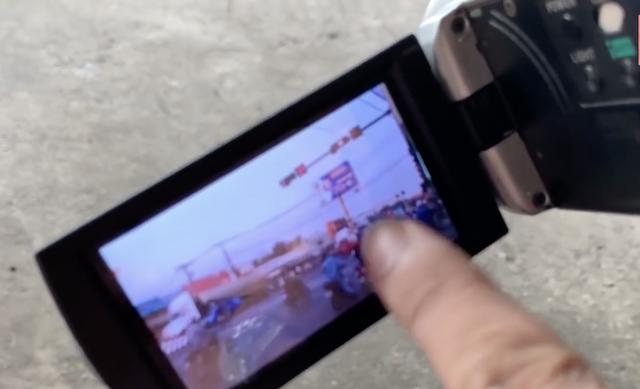Công an Đồng Nai: Thanh niên ghi hình người vi phạm không phải CSGT - 2