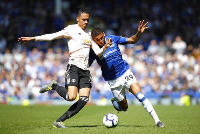 Cầu thủ Man Utd tệ hại như thế nào ở trận thua Everton? - 2