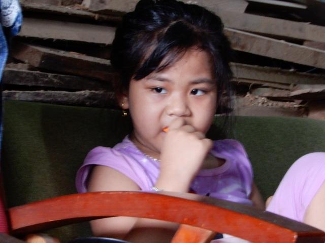 Thắt lòng gia cảnh bé gái 6 tuổi mắc bệnh ung thư máu, bố đột ngột qua đời! - 3
