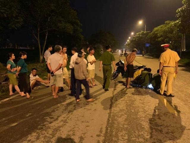 Hà Nội: Nghi vấn ô tô kéo lê bé trai 13 tuổi hơn 100m rồi bỏ trốn - 1
