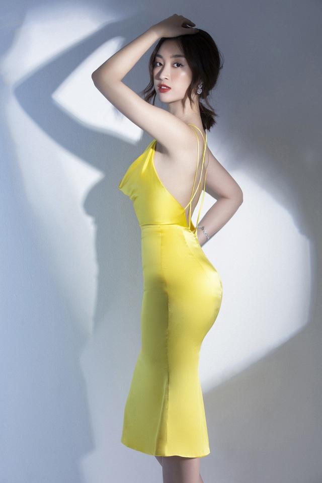 """Vẻ quyến rũ của """"Hoa hậu nghèo nhất trong các Hoa hậu"""" khi trở thành MC VTV - 3"""