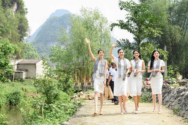 Trương Thị May, Lệ Hằng, Lương Thanh đẹp ngỡ ngàng giữa rừng núi Cao Bằng - 2