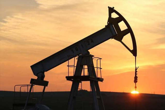 Giá dầu tăng vọt khi Mỹcó kế hoạch về lệnh trừng phạt Iran - 1