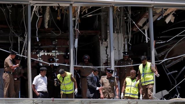 Hé lộ ban đầu về kẻ đánh bom liều chết nhằm vào khách sạn 5 sao Sri Lanka - 1