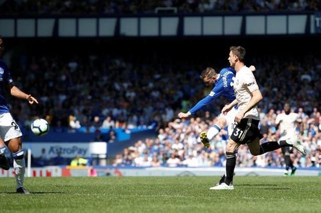 Những khoảnh khắc tan nát của Man Utd trước sức mạnh của Everton - 8