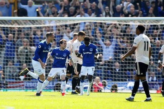 Những khoảnh khắc tan nát của Man Utd trước sức mạnh của Everton - 10
