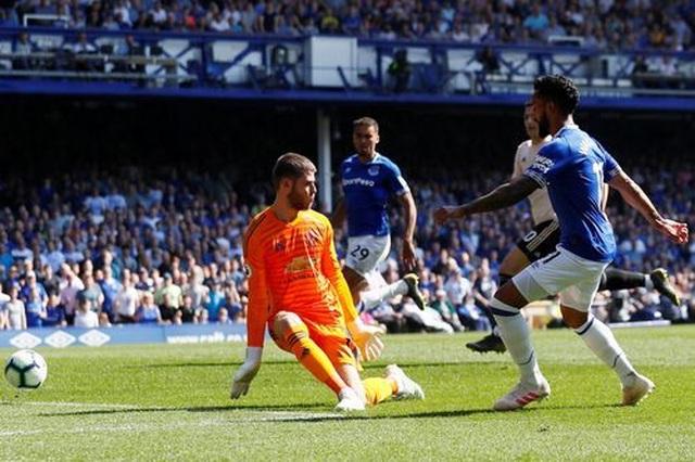 Cầu thủ Man Utd tệ hại như thế nào ở trận thua Everton? - 1