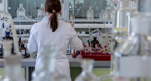 Các nhà khoa học phát triển nhựa sinh học không độc hại - 1