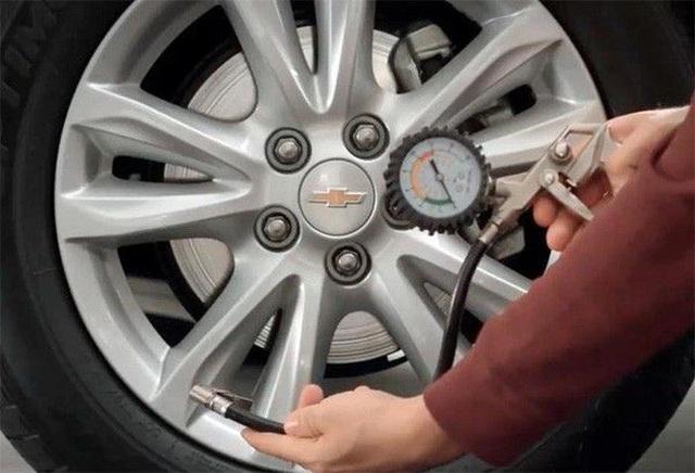 Không cần đến garage, ai cũng có thể tự thực hiện một số việc chăm sóc xe - 2