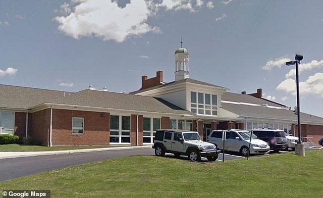 Phê bình học sinh thật sự thảm hại, giáo viên Mỹ bị phụ huynh kêu gọi sa thải - 2
