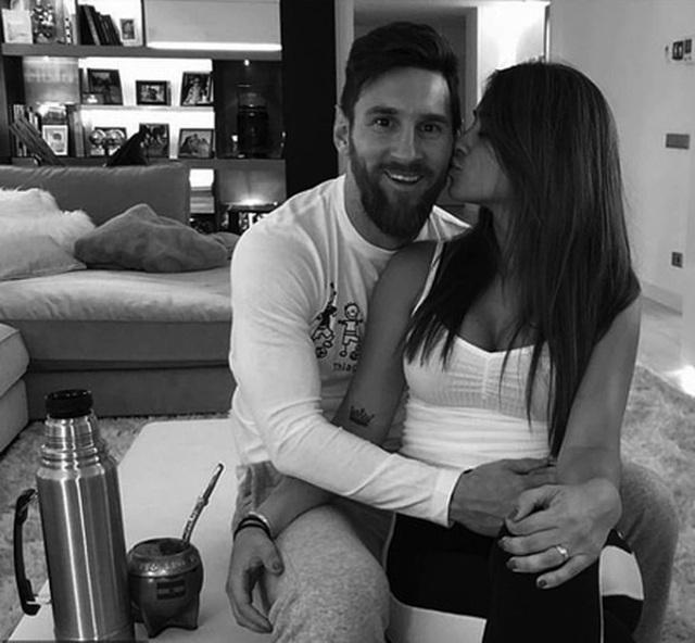 Bức ảnh tình yêu định mệnh từ khi Messi mới 10 tuổi - 2