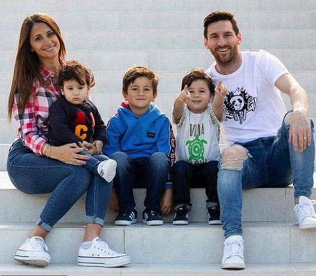 Bức ảnh tình yêu định mệnh từ khi Messi mới 10 tuổi - 3