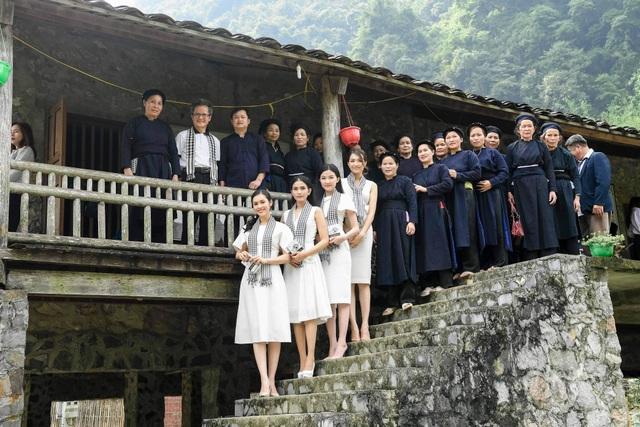 Trương Thị May, Lệ Hằng, Lương Thanh đẹp ngỡ ngàng giữa rừng núi Cao Bằng - 7