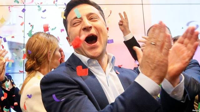 Diễn viên hài đắc cử tổng thống Ukraine - 1