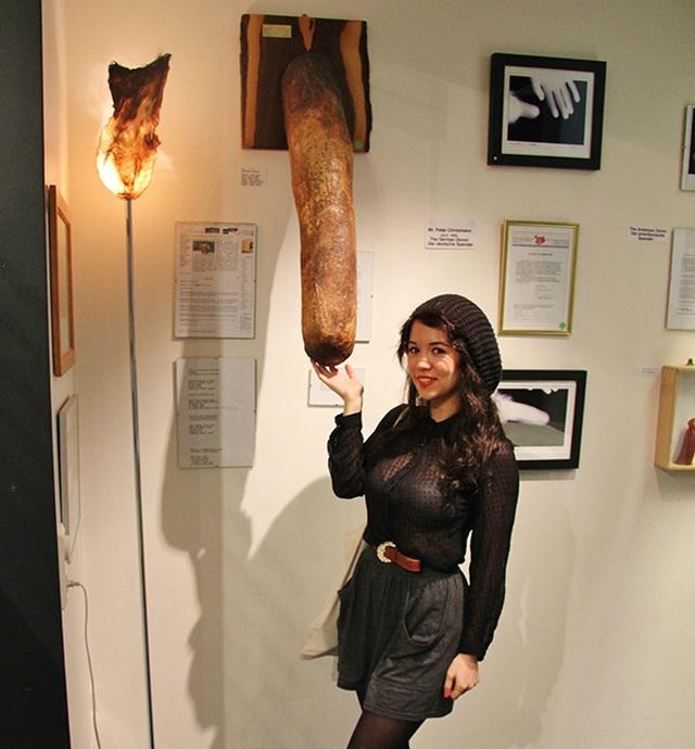 """Củ khoai tây lớn có hình """"của quý"""" được gửi tới bảo tàng trưng bày - 3"""