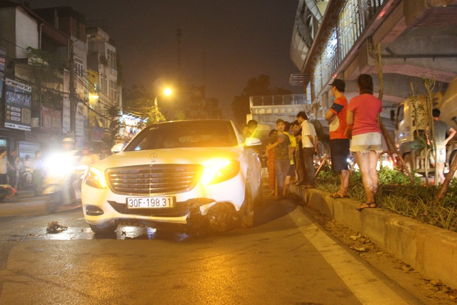 """Hiện trường tan hoang vụ """"xe điên"""" tông hàng loạt người và phương tiện trên phố Hà Nội - 5"""
