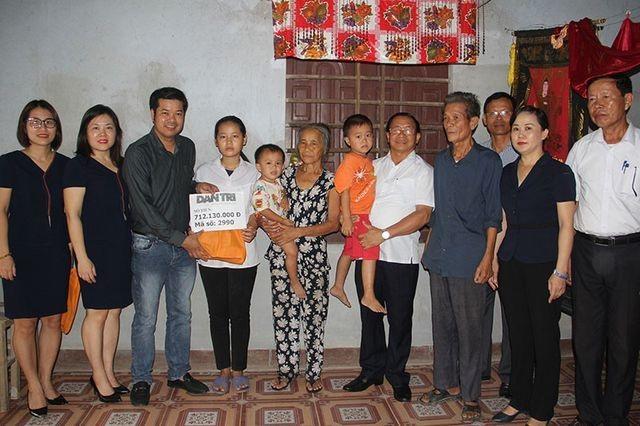 Chủ tịch UBND tỉnh tặng Bằng khen phóng viên báo Dân trí sau nhiều đóng góp hoạt động nhân ái - 2