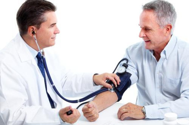Nguy cơ liệt nửa người vì chủ quan với tăng huyết áp – Làm sao để phòng ngừa? - 1