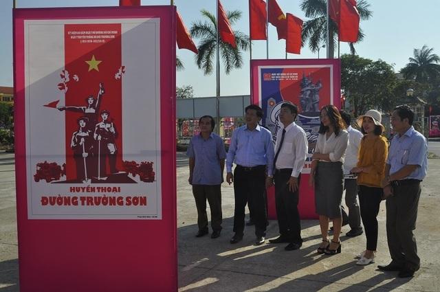 Khai mạc triển lãm tranh cổ động kỷ niệm 60 năm Ngày mở đường Hồ Chí Minh - Ảnh minh hoạ 2