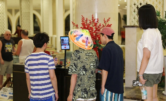 """Đua nhau """"check in"""" tại khách sạn áp dụng công nghệ nhận dạng đầu tiên tại Việt Nam - 5"""