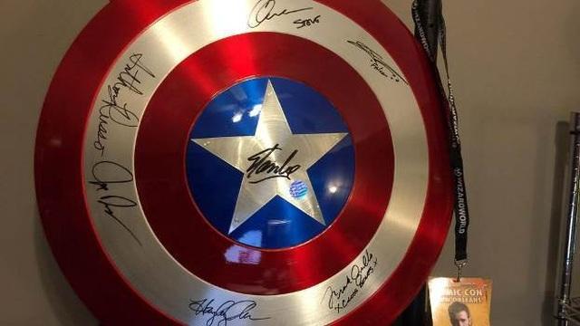 Muôn kiểu chào đón Avengers: Endgame của fan Marvel khắp thế giới - 2