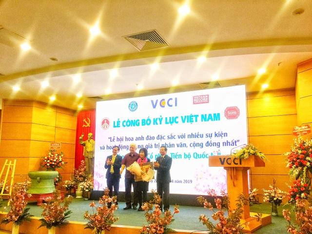 AIC Group xác lập kỷ lục Guiness Việt Nam với Lễ hội Hoa Anh Đào 2019 - 1