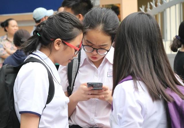 Tuyển sinh lớp 10 ở TPHCM: Thí sinh đến chậm sau 15 phút, không được dự thi - 1