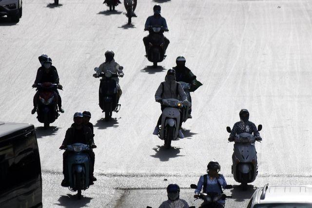 Báo Mỹ: Việt Nam vừa trải qua nắng nóng kỷ lục trong lịch sử - 1