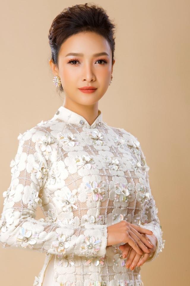 Diễn viên Yến Vy dần cởi mở hơn sau 11 năm trốn showbiz Việt sang Mỹ - 13