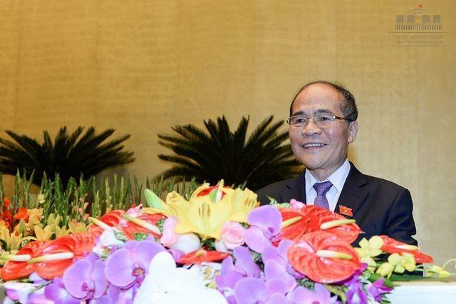 Quốc hội thống nhất cho ông Nguyễn Sinh Hùng thôi giữ chức vụ Chủ tịch Quốc hội. (Ảnh: Quochoi.vn)