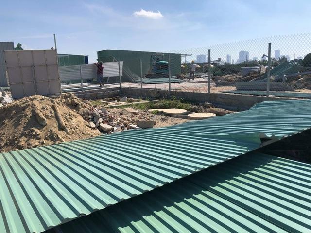 """Khánh Hòa tháo dỡ hàng chục ngôi nhà xây """"siêu tốc"""" trên đất quy hoạch - 1"""
