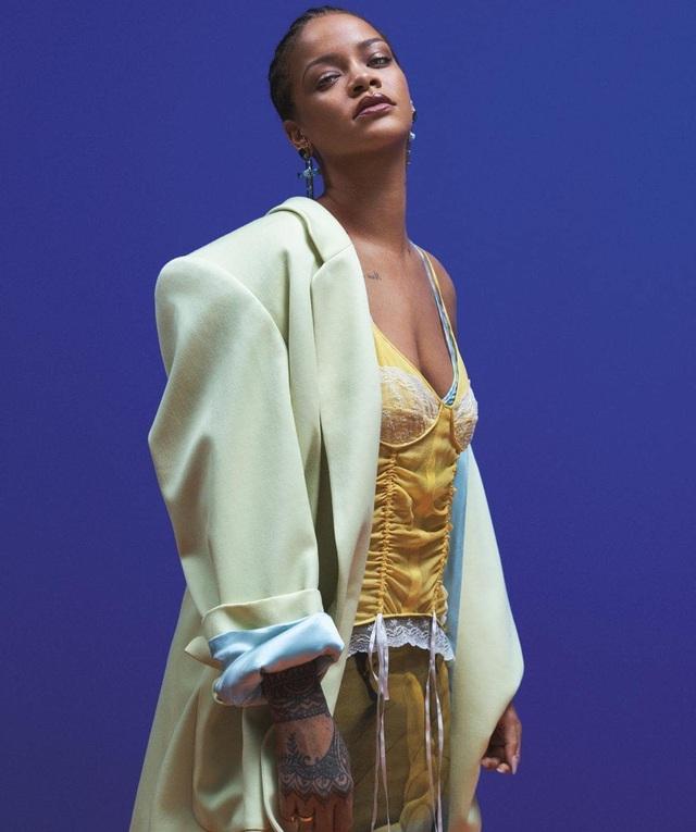 Rihanna quyến rũ trên tạp chí Vogue - 5