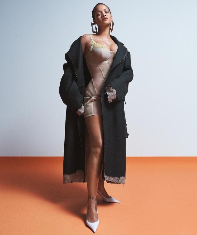 Rihanna quyến rũ trên tạp chí Vogue - 1