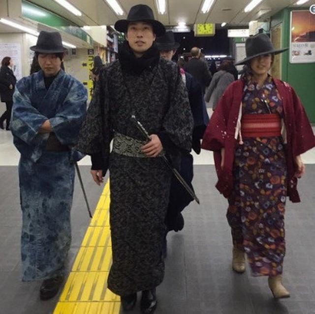Câu chuyện đằng sau những Samurai dọn rác gây hiếu kỳ ở Nhật Bản - 7