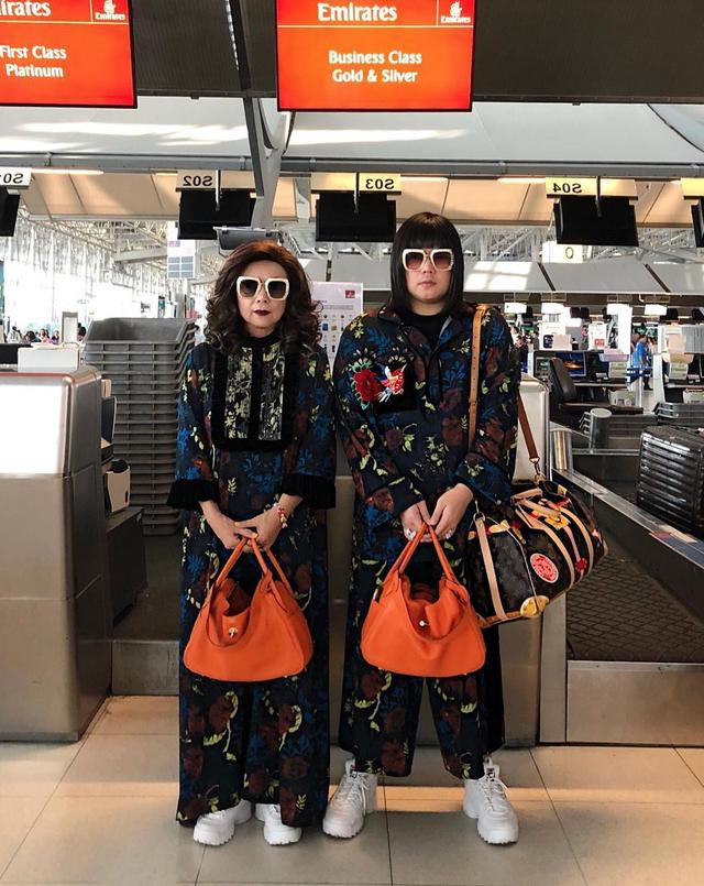 """Thái Lan: Cặp mẹ con nổi tiếng vì diện đồ đôi trên một """"tầm cao"""" mới - 8"""