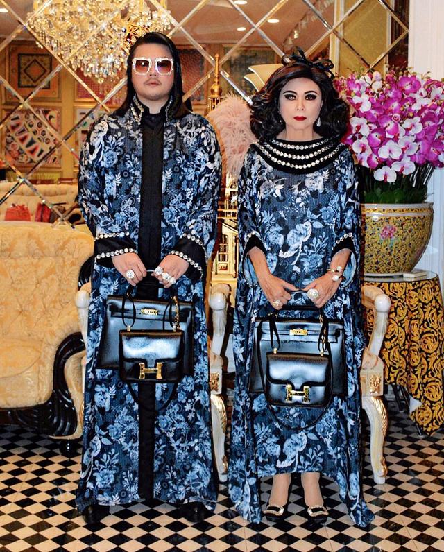 """Thái Lan: Cặp mẹ con nổi tiếng vì diện đồ đôi trên một """"tầm cao"""" mới - 2"""