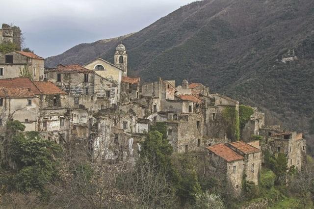 Vẻ đẹp của 10 thị trấn ma ám nổi tiếng - 1