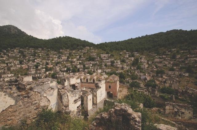 Vẻ đẹp của 10 thị trấn ma ám nổi tiếng - 5