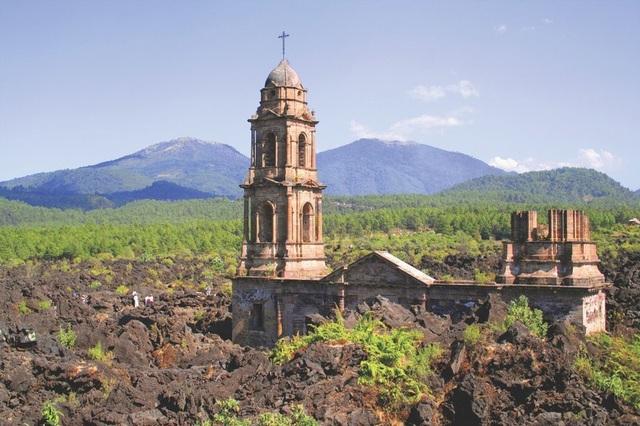 Vẻ đẹp của 10 thị trấn ma ám nổi tiếng - 8