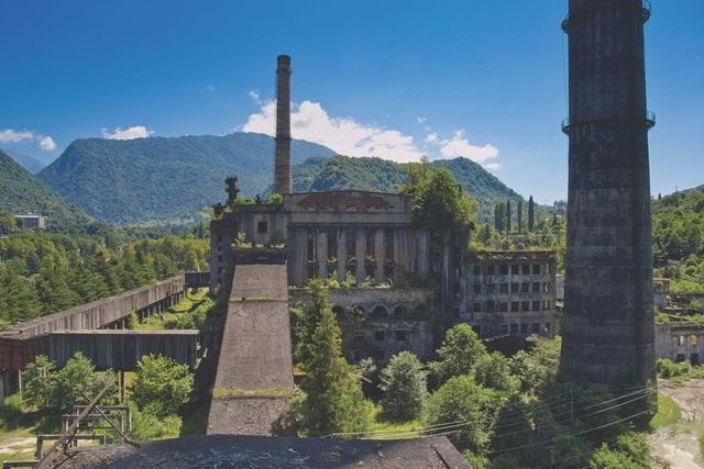 Vẻ đẹp của 10 thị trấn ma ám nổi tiếng - 9