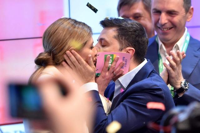 """""""Bóng hồng"""" quyền lực đứng sau diễn viên hài đắc cử tổng thống Ukraine - 2"""