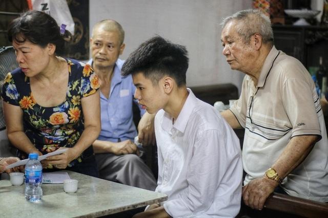"""Lời kể đẫm nước mắt của con trai nữ lao công bị """"xe điên"""" đâm tử vong ở Hà Nội - 12"""