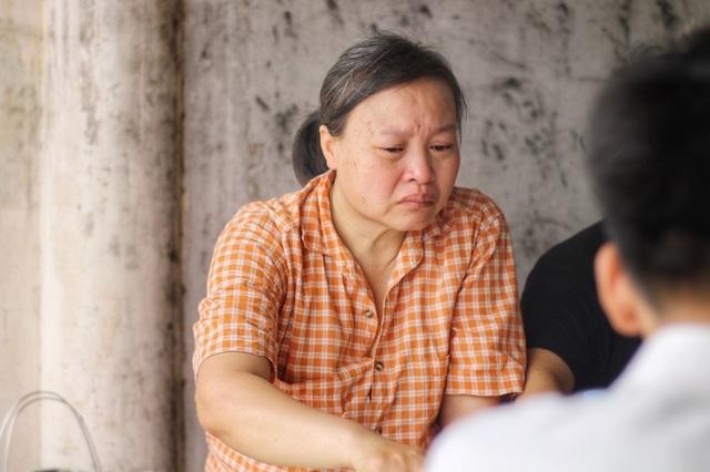 """Lời kể đẫm nước mắt của con trai nữ lao công bị """"xe điên"""" đâm tử vong ở Hà Nội - 8"""