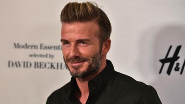Hài hước với hình ảnh Beckham rụng răng, hói đầu vào năm… 2020 - 2