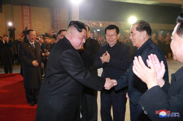 Những hình ảnh đầu tiên của ông Kim Jong-un trong chuyến thăm Nga - 2